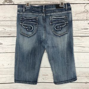 E. Carinae Jeans Cropped Mid-Rise Faded Stretch